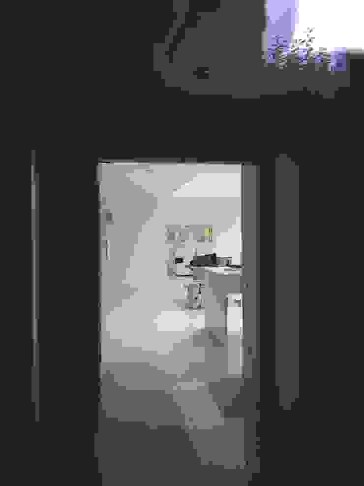 villa familiale à Hagenthal-le-Bas A.FUKE-PRIGENT ARCHITECTE Couloir, entrée, escaliers classiques