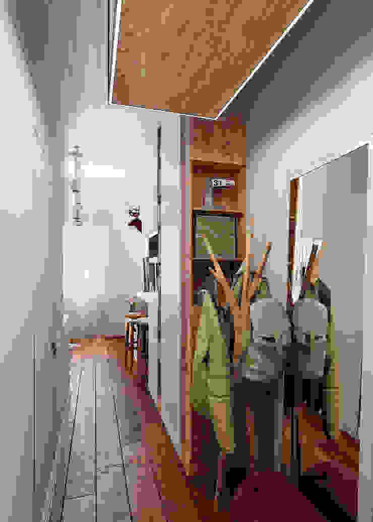Eclectic style corridor, hallway & stairs by Vashantsev Nik Eclectic