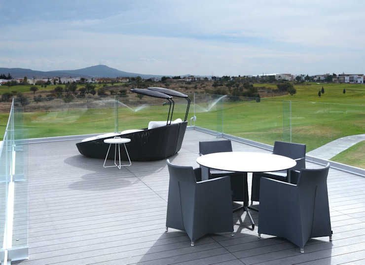 Campanario Balcones y terrazas modernos de AXD Arquitectos Moderno