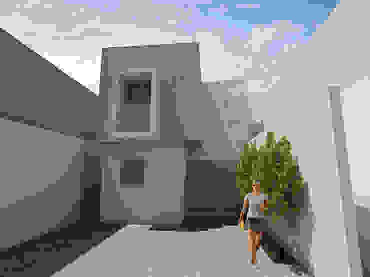 Remodelación Casa Garcia Rojas de Flores Rojas Arquitectura