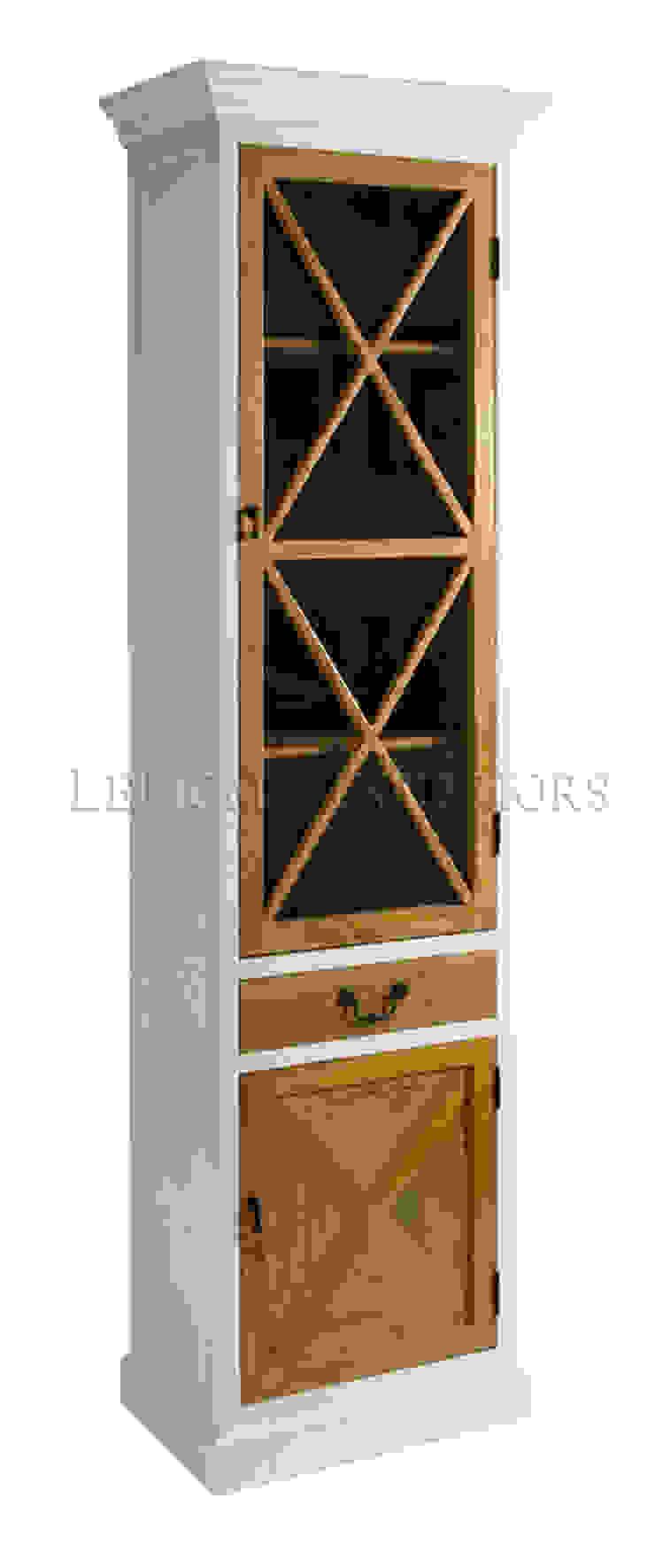 Шкаф L076 от LeHome Interiors Классический Дерево Эффект древесины