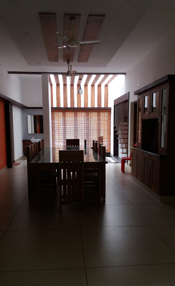 Wood venetian Blinds: asian  by Clinque window blind systems,Asian