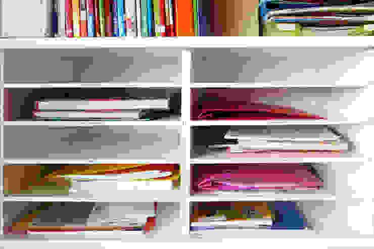 Der Papier Fachteiler bringt Ordnung in das Schulchaos von NSD New Swedish Design GmbH Skandinavisch Holzspanplatte