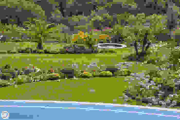 JARDIN - SAINT-TROPEZ Jardin méditerranéen par PASSAGE CITRON Méditerranéen