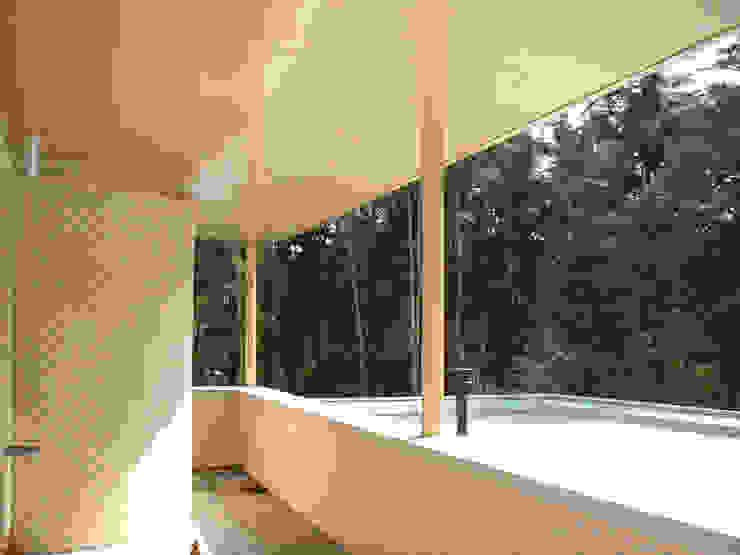 Modern Balkon, Veranda & Teras SL atelier voor architectuur Modern