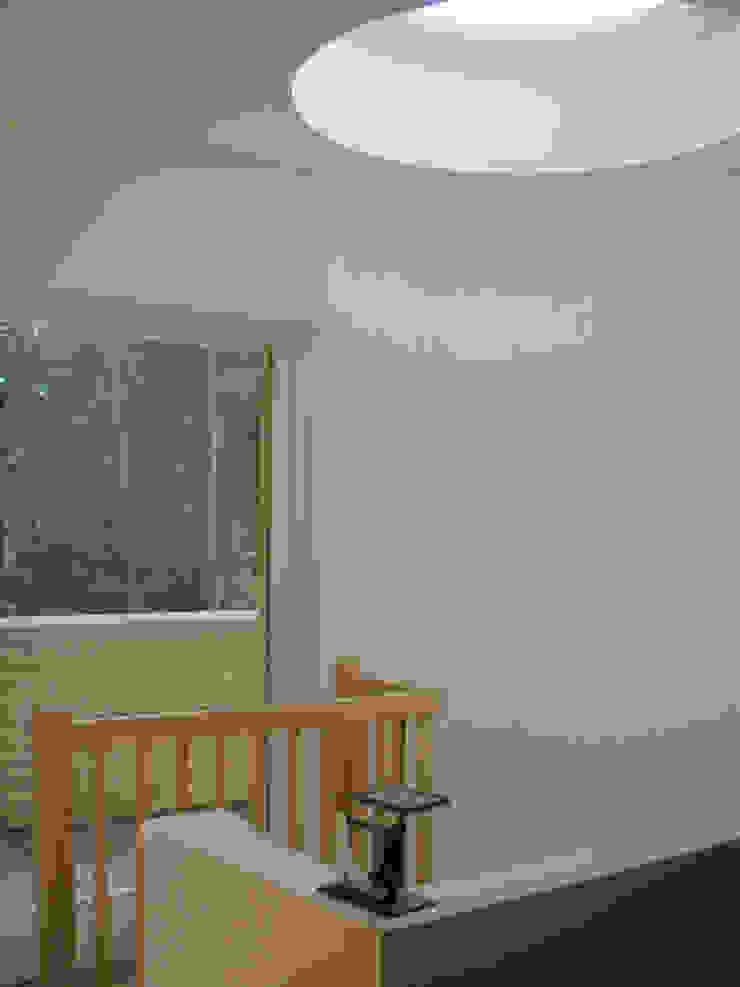 Modern Corridor, Hallway and Staircase by SL atelier voor architectuur Modern