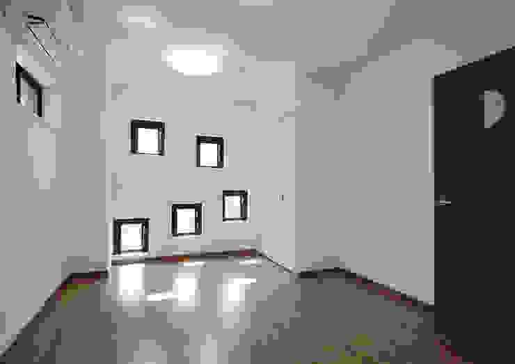 白山の家 モダンデザインの 子供部屋 の プランニングシステム株式会社 モダン 合板(ベニヤ板)