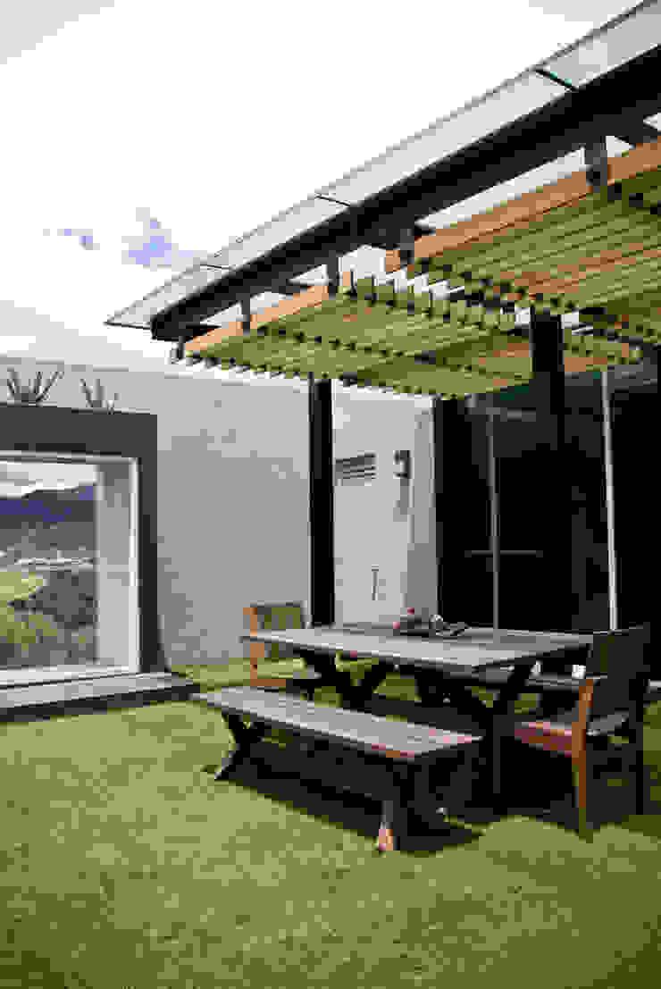 STUDIOROCA Terrace