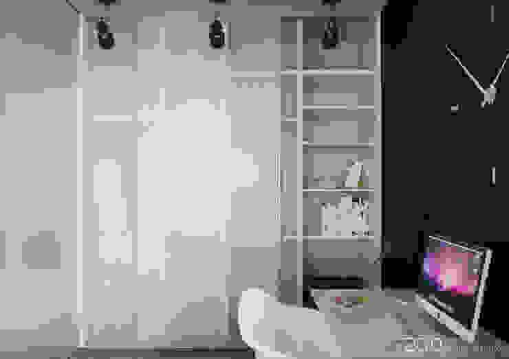"Квартира - студия ""Praga"" Гардеробная в стиле модерн от 2GO Design Studio Модерн Стекло"