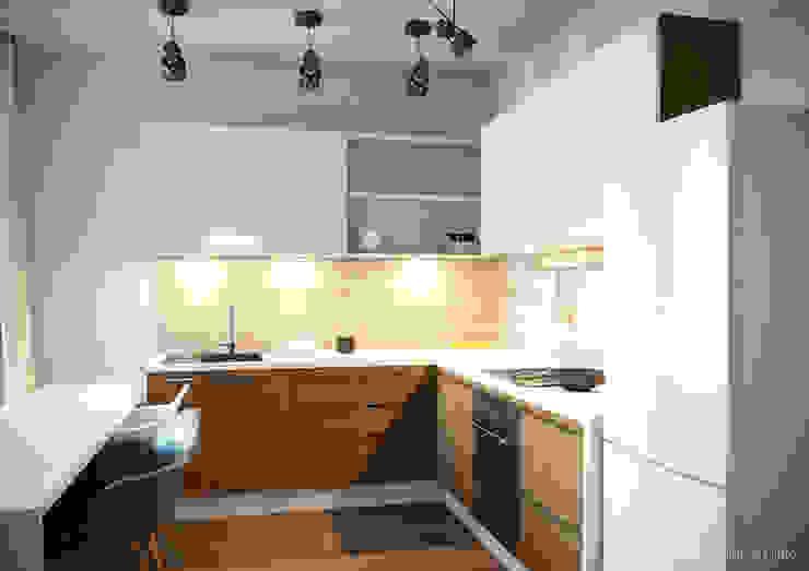 """Квартира - студия """"Praga"""" Кухня в стиле модерн от 2GO Design Studio Модерн Дерево Эффект древесины"""