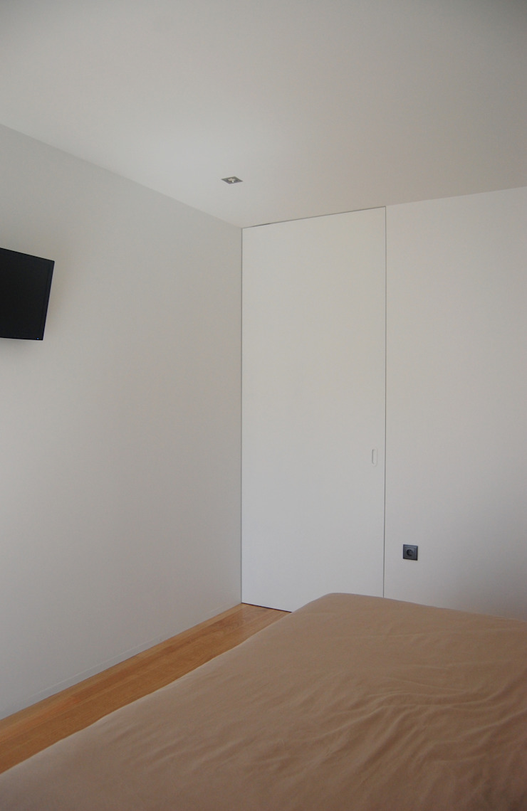 KUUK Minimalist windows & doors MDF White
