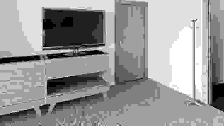 Mueble de TV tipo Buró de diesco Moderno Compuestos de madera y plástico