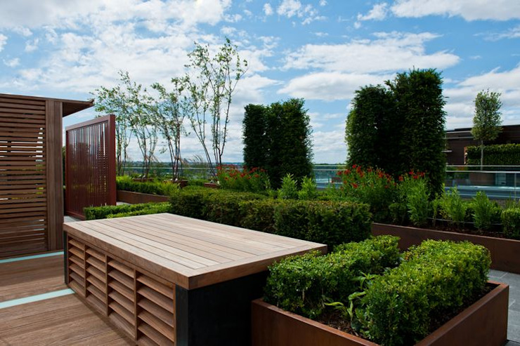 Chelsea Creek - copyright St George Plc Modern Garden by Aralia Modern Wood Wood effect