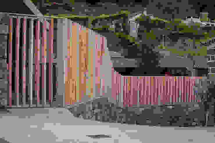 Piscine minimaliste par Monteiro, Resendes & Sousa Arquitectos lda. Minimaliste
