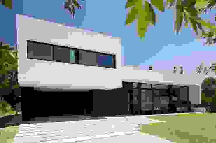 โดย Remy Arquitectos โมเดิร์น