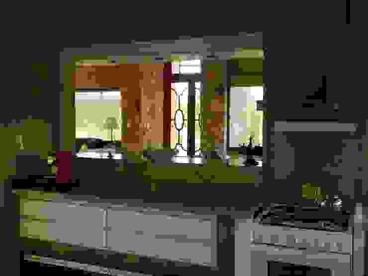 CASA DE CAMPO LOMAS DEL REY Cocinas modernas: Ideas, imágenes y decoración de ART quitectura + diseño de Interiores. ARQ SCHIAVI VALERIA Moderno