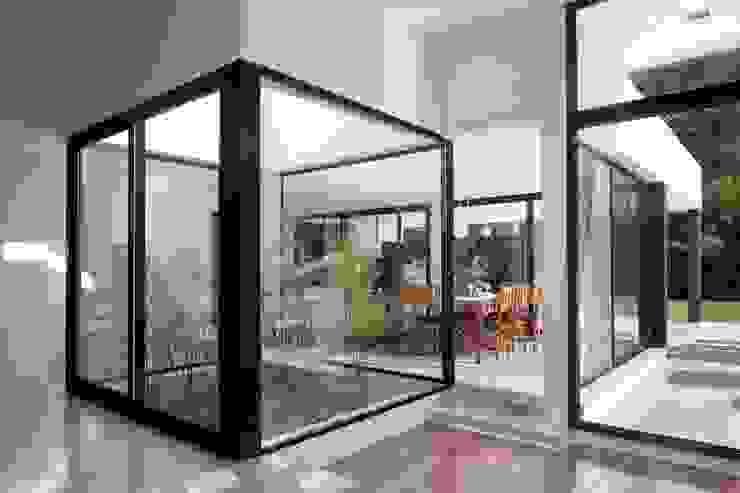 Modern Garden by Remy Arquitectos Modern