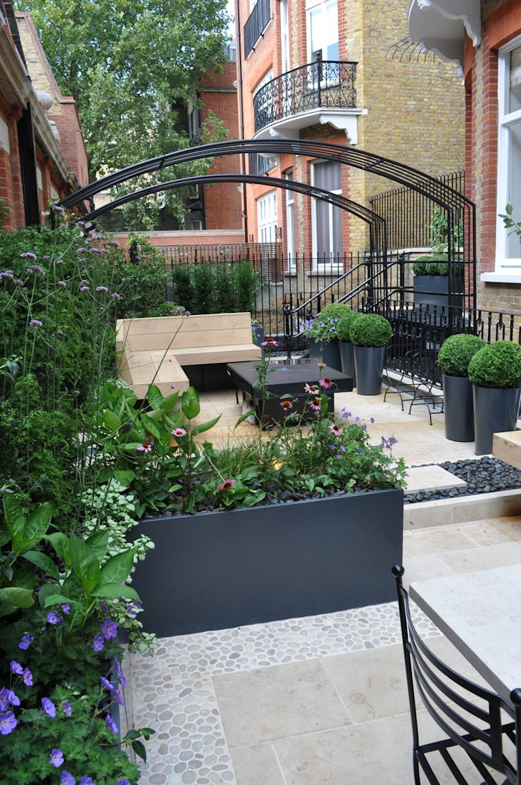 Knightsbridge Roof Terrace - Aralia Garden Design Modern commercial spaces by Aralia Modern Iron/Steel