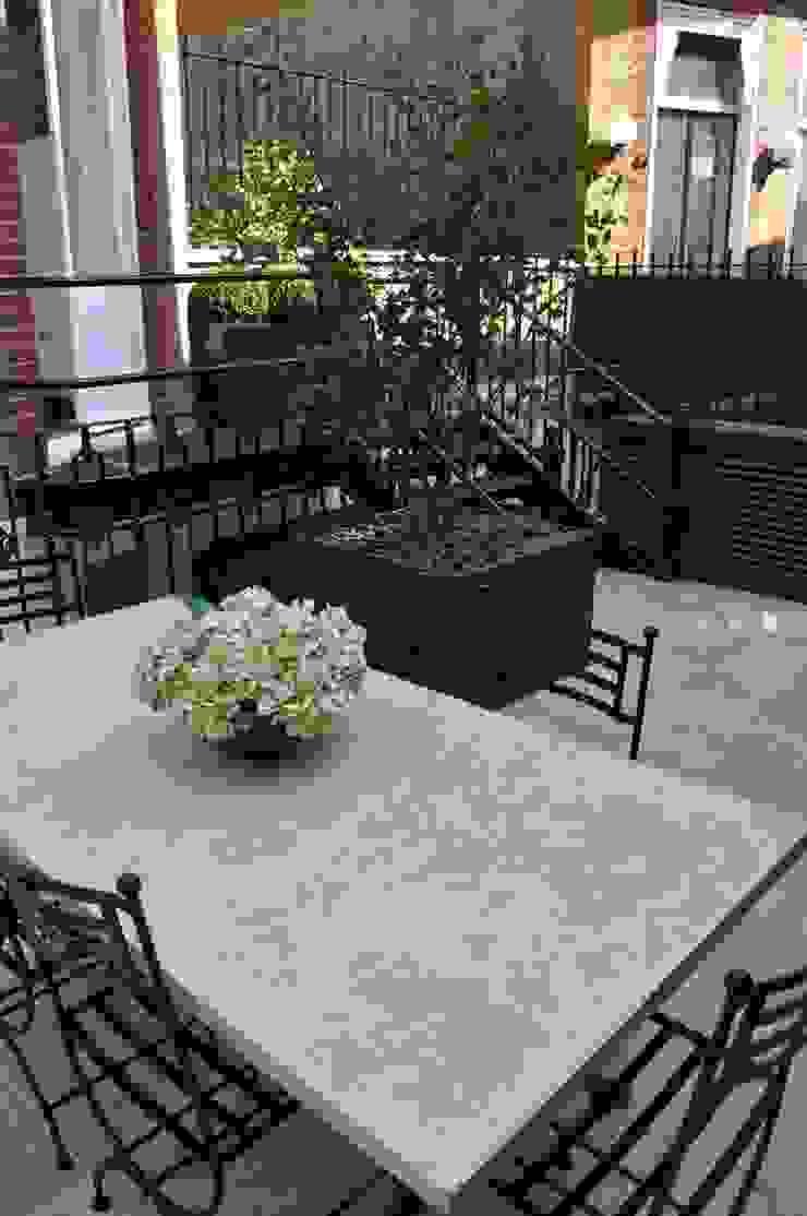 Knightsbridge Roof Terrace - Aralia Garden Design Modern commercial spaces by Aralia Modern Stone