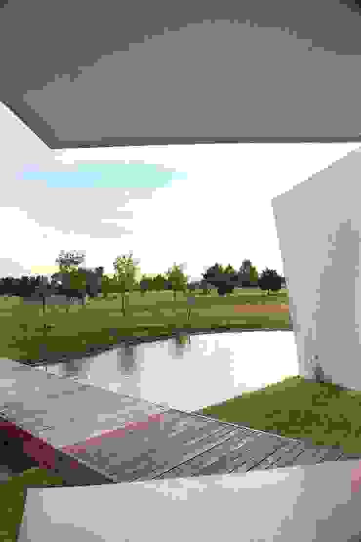 Maisons modernes par Remy Arquitectos Moderne