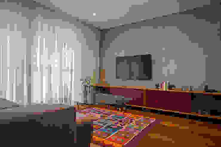 Apartamento FR Salas de estar modernas por F studio arquitetura + design Moderno