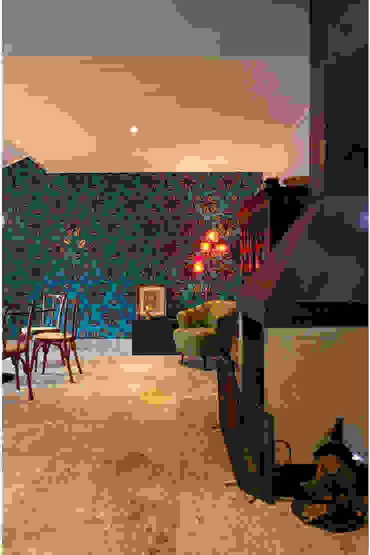 by MMMundim Arquitetura e Interiores Rustic