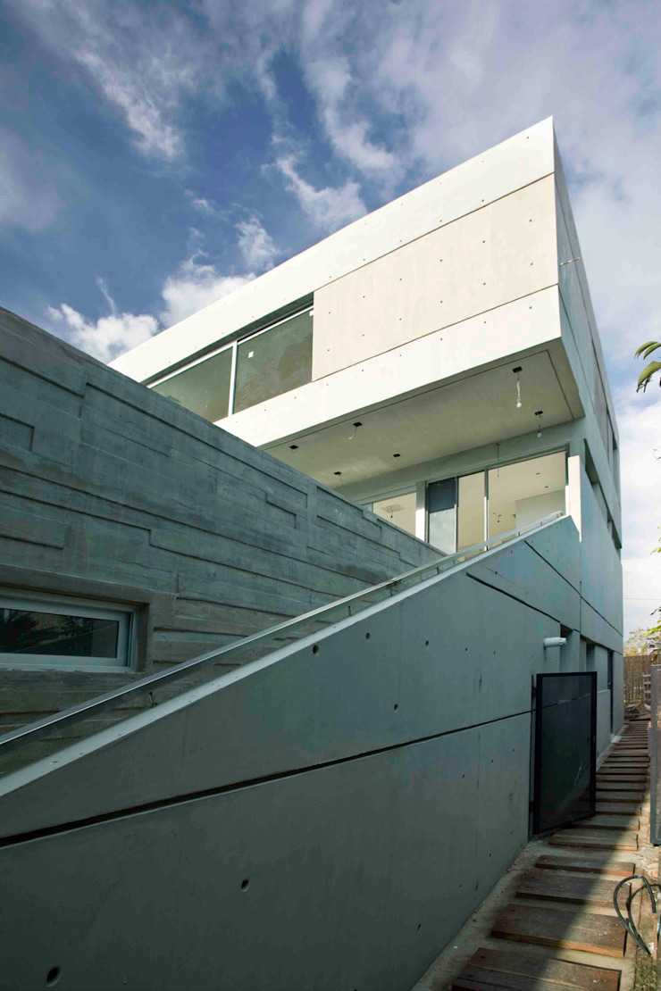 Remy Arquitectos Modern Houses