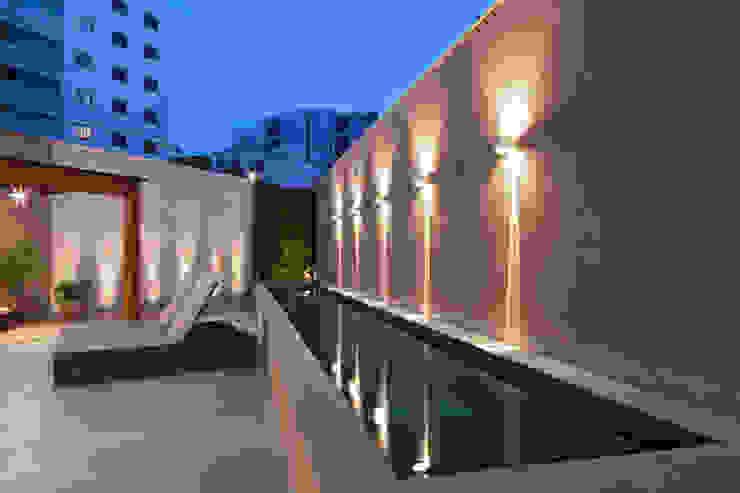 Albercas de estilo  por Estela Netto Arquitetura e Design, Moderno