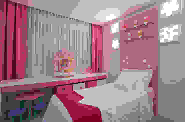 Modern nursery/kids room by Isabela Canaan Arquitetos e Associados Modern
