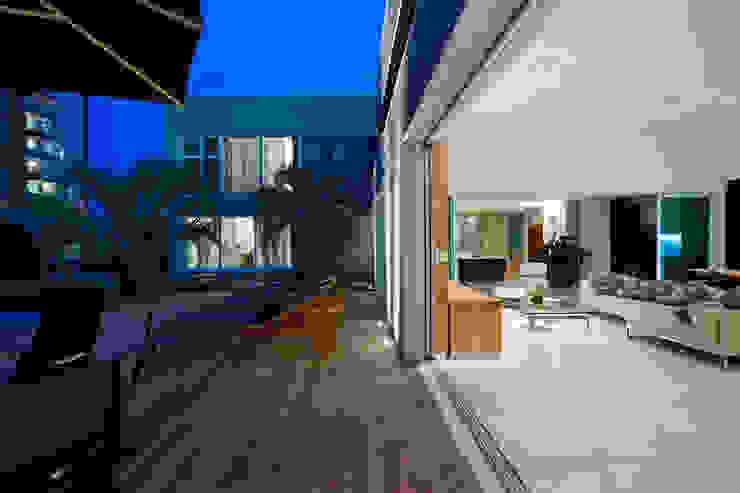 Casa Belvedere Casas modernas por Márcia Carvalhaes Arquitetura LTDA. Moderno
