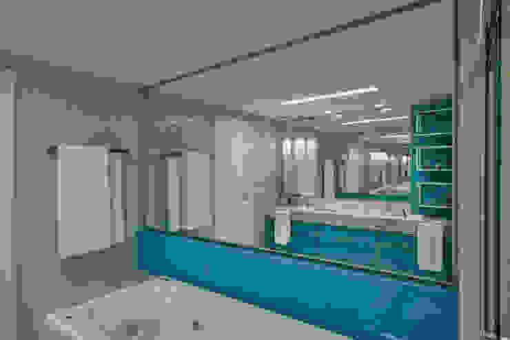 Baños de estilo moderno de Isabela Canaan Arquitetos e Associados Moderno