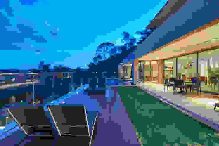 Casa Riviera Casas modernas por Márcia Carvalhaes Arquitetura LTDA. Moderno