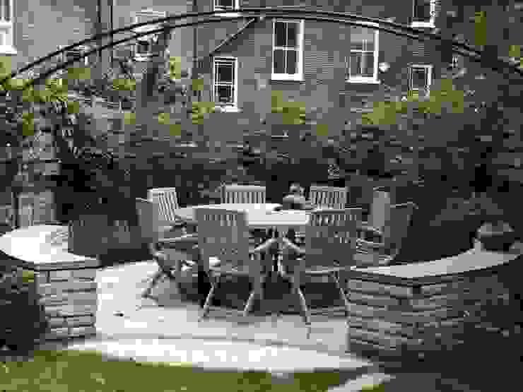 Regent's Park Terrace Aralia Classic style garden Stone Grey