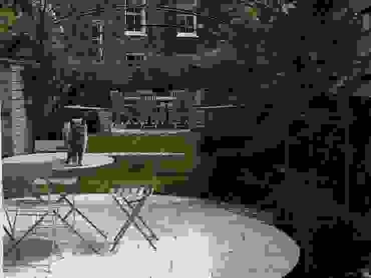 Regent's Park Terrace Aralia Classic style garden Stone Beige