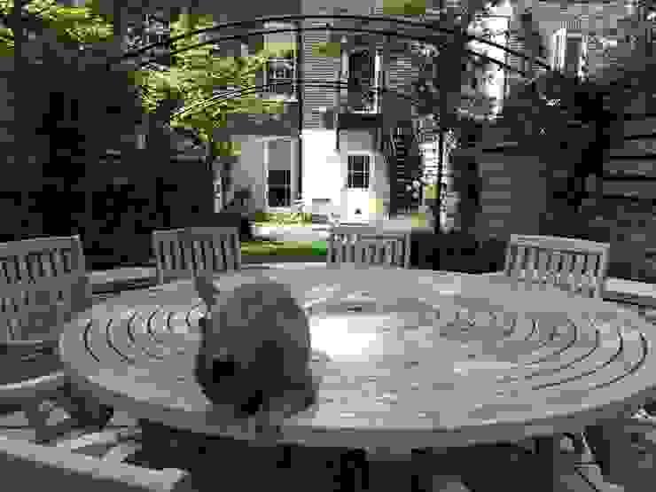 Regent's Park Terrace Aralia Classic style garden Wood Grey