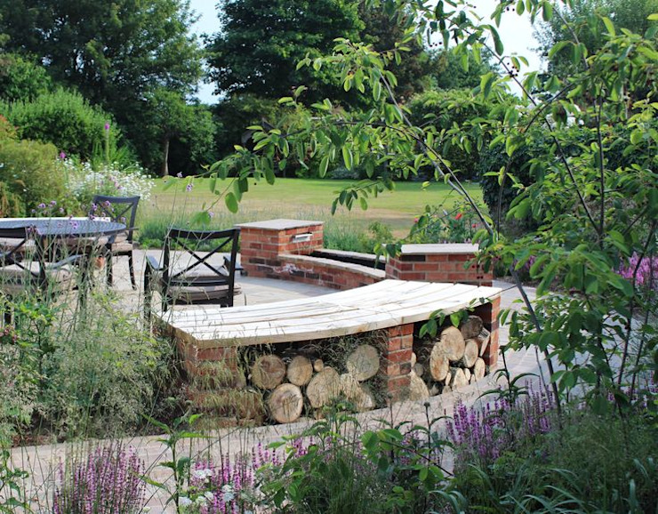 Little Eden Country style garden by Aralia Country Wood Wood effect