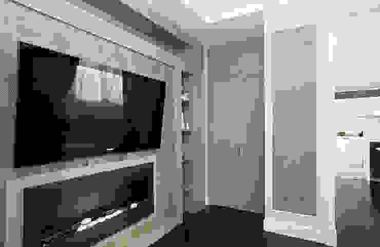 Шкаф для хранения в гостиной от PM studio Эклектичный Изделия из древесины Прозрачный