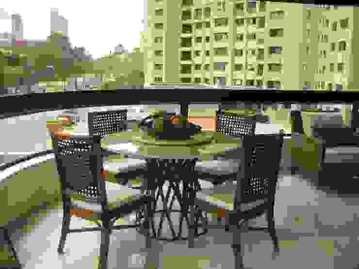 Apartamento no Bairro Belvedere Varandas, alpendres e terraços modernos por Rosangela C Brandão Interiores Moderno