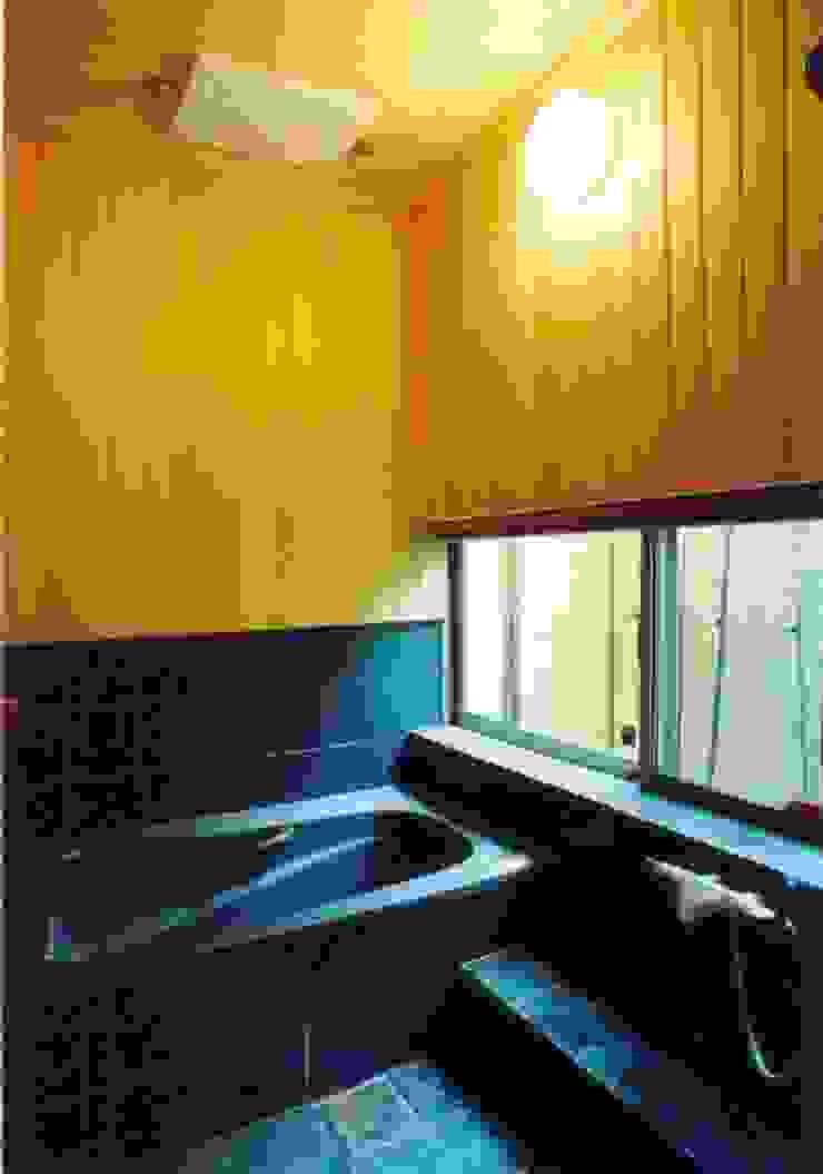 岸和田の家 モダンスタイルの お風呂 の 株式会社 atelier waon モダン