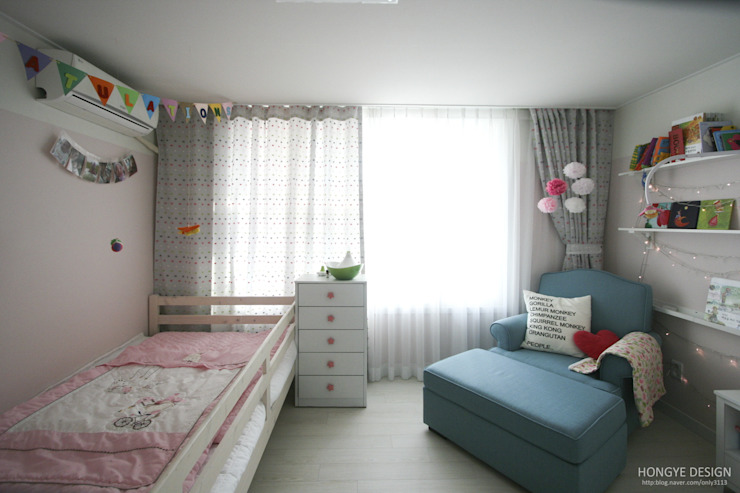 파스텔톤의 따뜻한 신혼집 _ 33py: 홍예디자인의  아이방,북유럽