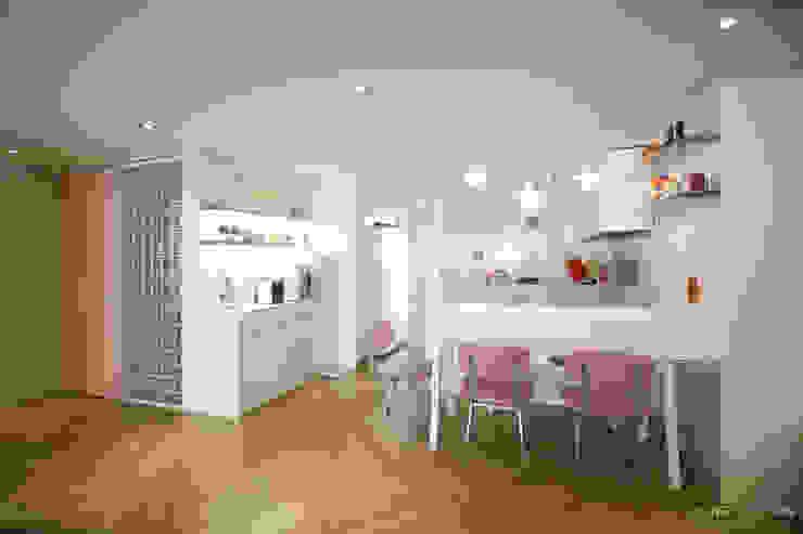 파스텔톤의 따뜻한 신혼집 _ 33py: 홍예디자인의  주방,북유럽