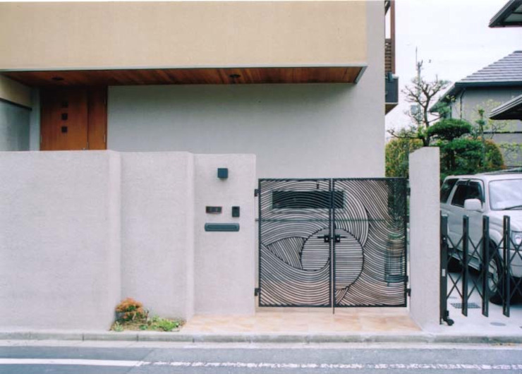 Modern houses by 株式会社 atelier waon Modern