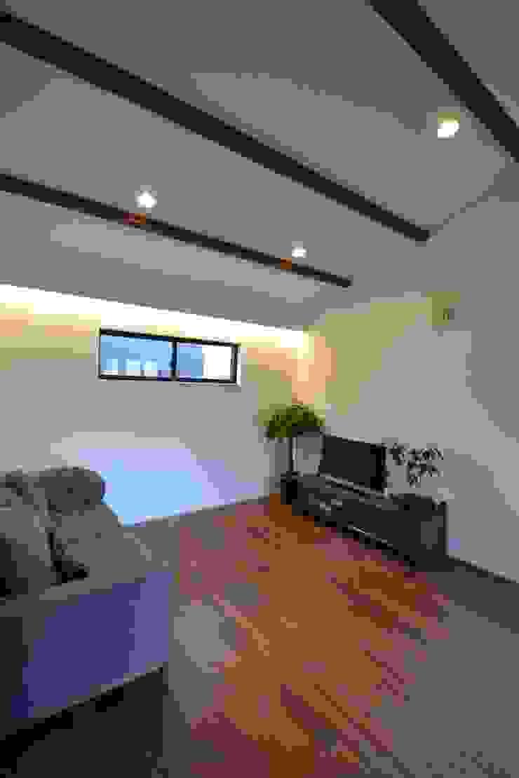 Moderne Wohnzimmer von 株式会社スタジオ・チッタ Studio Citta Modern