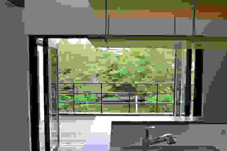 Moderne Küchen von 株式会社スタジオ・チッタ Studio Citta Modern