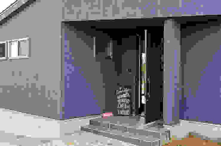 西海岸な平屋 カントリースタイルの 玄関&廊下&階段 の 株式会社スタジオ・チッタ Studio Citta カントリー