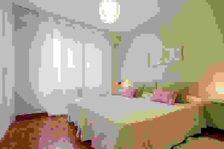 HOME STAGING PAMPLONA www.jaioneelizaldehs.es Dormitorios modernos: Ideas, imágenes y decoración de homify Moderno