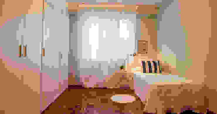 HOME STAGING PAMPLONA www.jaioneelizaldehs.es Dormitorios de estilo moderno de homify Moderno
