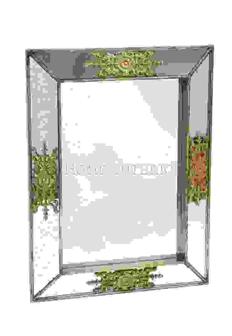 Зеркало M010 от LeHome Interiors Классический