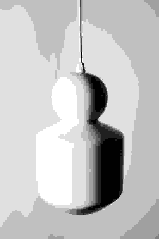 THE LOVERS por NEO design studios Minimalista Cerâmica