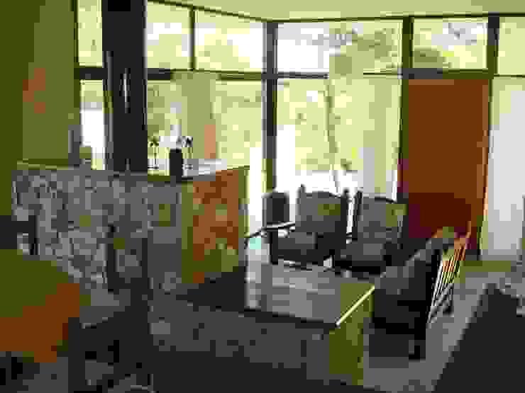 Nowoczesny salon od Arquitecto Oscar Alvarez Nowoczesny